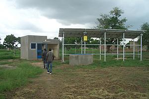 Solarelektronik, PV Autarke Systeme, Wechselrichter Systeme, Aufdachanlage, Afrika, Wechselrichter