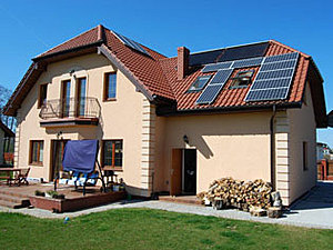 Solarelektronik, PV Autarke Systeme, Hybrid Systeme, Europa, Polen, Aufdachanlage