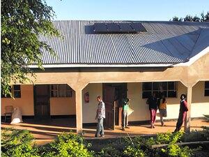 Solarelektronik, PV Autarke Systeme, Wechselrichersystem, Afrika, Tansania, Aufdachanlage