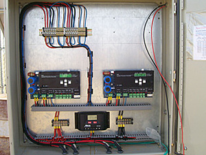 Solarelektronik, PV Autarke Systeme, Telekommunikations-Systeme,Asien, Saudi Arabie, Verschaltung