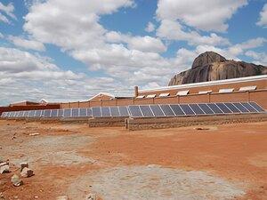Solarelektronik, PV Autarke Systeme, Krankenhaus ,Afrika, Madagaskar, Freifläche