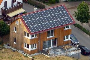 Solartechnik, ref_pv,Photovoltaik, Deutschland, ochsenhausen, Holzhaus, Aufdachanlage, 8,55 kWp